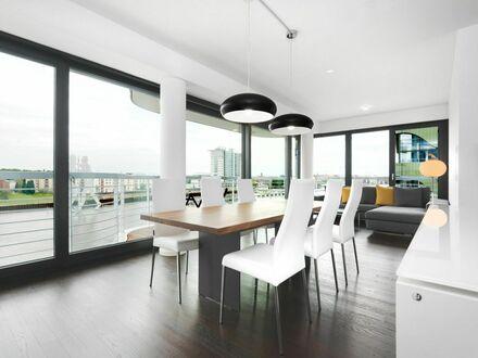 2-Schlafzimmer + Wohnzimmer, mit Blick auf die Spree + Parkplatz (inkl.) + Balkon | Quiet apartment newly furnished at the…
