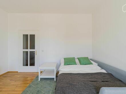 Helles modernes Apartment im Herzen von Berlin | Wonderful apartment in the heart of Berlin with nice city view