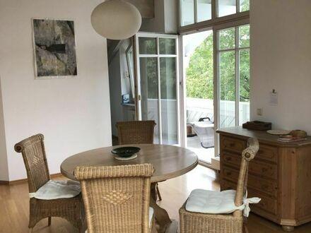 Helle gemütliche Dachgeschosswohnung mit Balkon in Prien am Chiemsee | Bright cozy attic apartment with balcony in Prien…