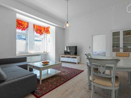 Luxuriöse, möblierte 2 Zimmer Wohnung im historischen Jugendstil - Haus | Great apartment in Düsseldorf