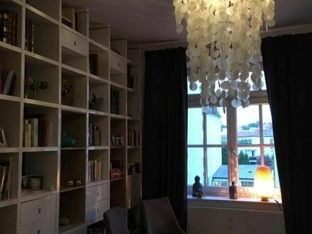 Charmante Altbauwohnung im Zentrum Münchens nähe Isar | Charming apartment in the centre of Munich near the Isar river