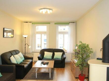 Voll möblierte Wohnung nähe Straßenbahn zum Zentrum und Messegelände | Full furnished apartment not far from tram to the…
