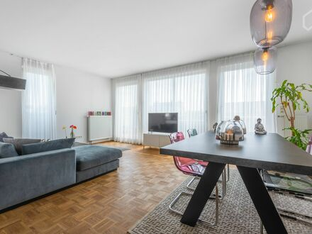 Fantastisches Penthaus Apartment mit Blick | Fantastic Penthouse Apartment with a few