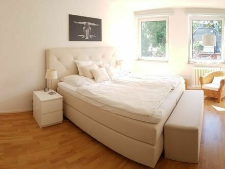 Sehr helle, zentrale 3-Zimmer-Wohnung in Westend-Nord | Very bright, central 3 room apartment in Westend-Nord