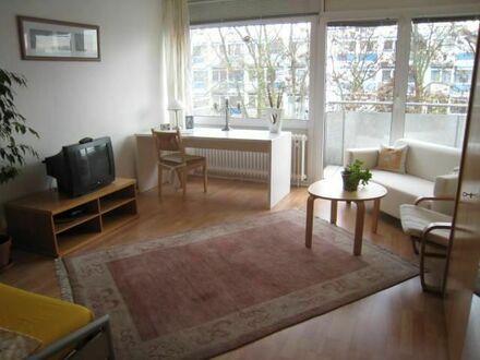 Häusliches praktisches Apartment mit Blick | Cozy practical apartment with a few