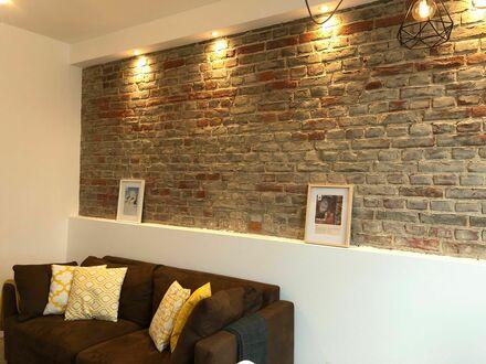 Feinstes, stilvolles Studio in Hilden, nach Kernsanierung | Nice and beautiful loft in Hilden