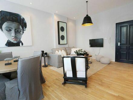 Wundervolles Apartment mit exklusiven Möbeln, in Charlottenburg   Wonderful apartment with exclusive furniture, in Charlottenburg