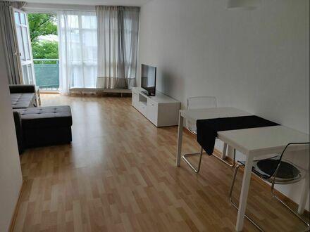 Modernisierte, sonnige Maisonettewohnung mit zwei Zimmern in Haar bei München | Modernised, sunny maisonette apartment with…