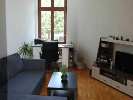 Schöne 2-Zimmerwohnung im Waldstraßenviertel mit Balkon | Nice 2 room apartment in Waldstraßenviertel with balcony