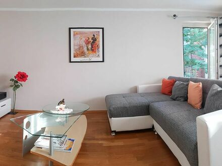 Zentral gelegene Wohnung mit Flair, top Anbindung | Centrally located apartment with flair, top connection