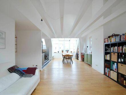 Dachgeschosstraum in der Maxvorstadt | Stylish Atelier in Art & Uni District