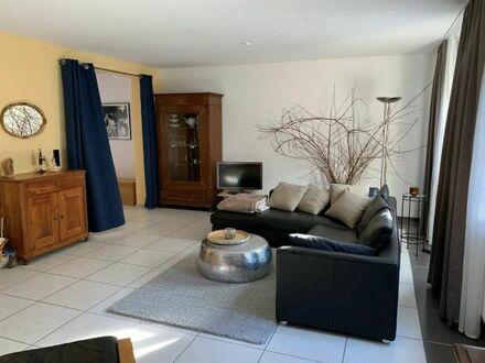 Helles und stilvolles Apartment   Neat and modern apartment