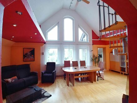 Liebevoll eingerichtete Maisonette Wohnung mit Garten in Oberschleißheim | Lovingly furnished maisonette apartment with garden…