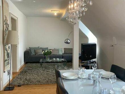 Hochwertige, helle und modern eingerichtete sanierte 3,5 Zimmer Altbau-Wohnung   High-quality, bright and modernly furnished…
