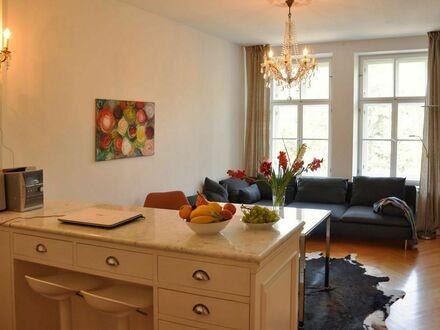 Ruhige 3,5 Zimmer-Wohnung mit Süd-Balkon zum Innenhof am Viktualienmarkt - auch ideal als Business-WG | Quiet 3.5 room apartment…