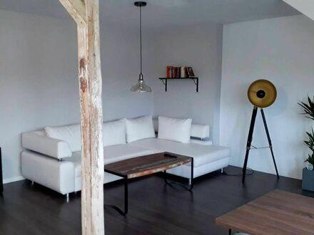 Exklusive 2 Zimmer Dachgeschosswohnung in Neustadt | Exclusive 2 room top floor apartment in Neustadt
