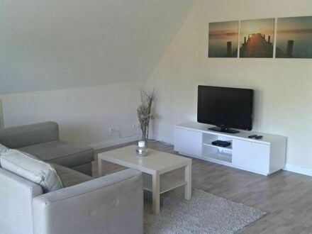 Gemütliche 3-Zimmer Wohnung direkt am Flughafen Köln/Bonn - mit sonnigem Balkon | Comfortable 3-room Apartment direct proximity…