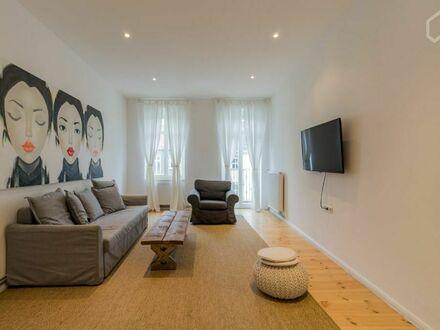 Wundervolle & modische Wohnung auf Zeit mit Balkon | Charming, cozy home in Friedrichshain with balcony