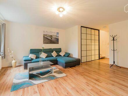 Wunderschöne, helle und ruhige Maisonette Wohnung mit privater Terasse | Bright and spacious maisonette apartment with private…