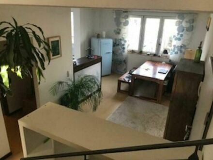 Lichtdurchflutete Maisonette Wohnung, ruhige und zentrale Lage, mit Garage | Fashionable and beautiful suite