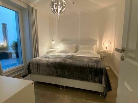NEU Saniert u.möbliert! Quartier ca.65 m2 in Hamburg Eppendorf nähe UKE   Great and bright studio located in Hamburg-Nord