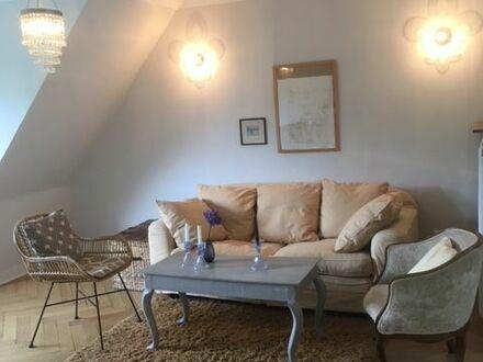 Charmante 4 -Zimmer Wohnung in Top-Lage (Düsseldorf) | Cozy 4- room apartment conveniently located (Düsseldorf)