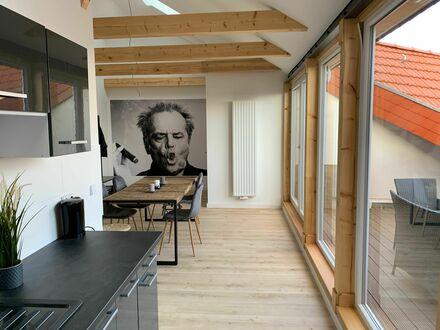 Frisch renovierte DG Wohnung mit großer Terrasse | Freshly renovated Rooftop Apartment with big terrace
