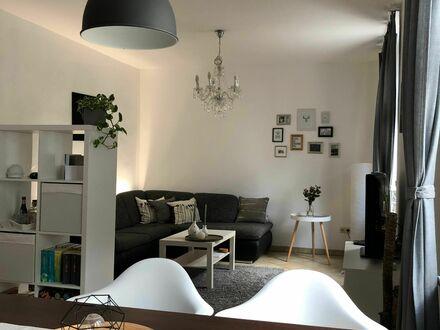Gemütliche, helle Wohnung in zentraler Lage | Cozy and bright appartement in central location