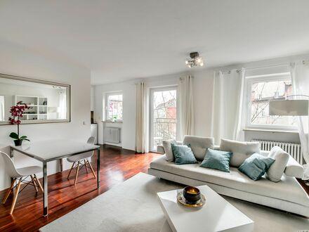 Helle zwei Zimmer Wohnung mit zwei Balkonen in zentraler Lage | Spacious loft (München)