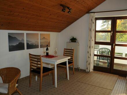 Großzügiges gemütliches Studio Apartment in Heimsheim mit schönem Balkon in bester und ruhiger Südlage mit Aussicht   C…