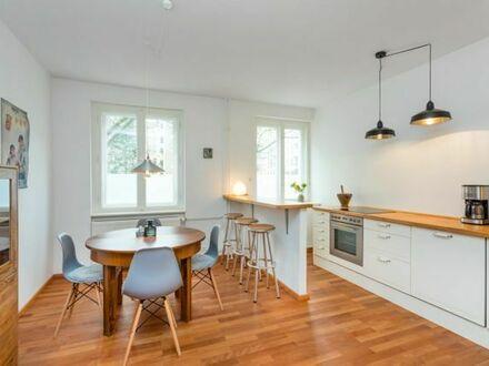 Toplage Graefekiez: 2 Zimmer Altneubau+ Loftstyle Wohnküche + Balkon | Top Location Graefekiez: 2 Room Apartment + Loftstyle…