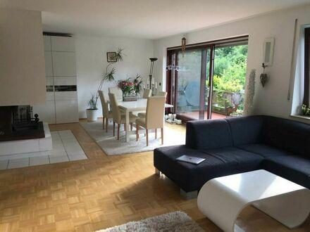 TolleMaisonettewohnung im Essener Süden, am Schellenberger Wald | Great maisonette apartment in the south of Essen, at the…