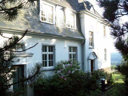 Charmante möblierte 3-Zimmer Wohnung in schöner Art-Deco Villa mit toller Lage Bad Honnef | Perfectly charming 3-room fully…