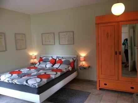 Schönes, helles und ruhiges Apartment mit Terrasse und Stellplatz | Nice, bright and quiet apartment with terrace and parking…