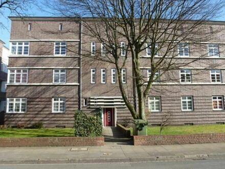 Möblierte 2-Zimmer-Altbauwohnung in Hannover-List mit Balkon (gute Verkehrsanbindung) | Furnished 2 room old building flat…