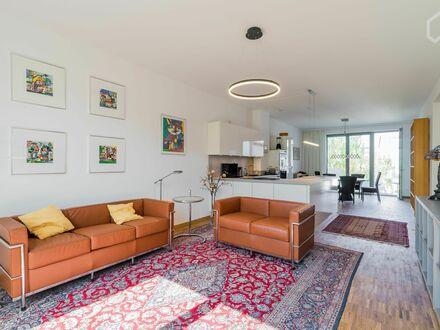 Lichtdurchflutete 3 Zimmerwohnung mitten im Kaskelkiez - Neubau | Wonderful and bright 3 room apartment with balcony in Kaskelkiez