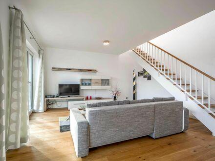 4-Zi.-Penthousewohnung mit herrlicher Dachterrasse in Othmarschen, hochwertig möbliert! | 4 bedroom penthouse apartement…