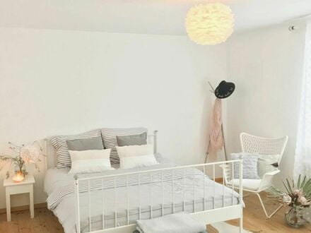 Helle und liebevoll eingerichtete 2,5 Zi. Wohnung in München | Quiet and beautiful apartment in Munich