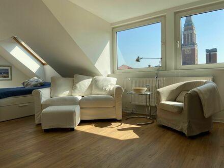 Frisch sanierte Dachgeschosswhg mit Fahrstuhl und Garage | Freshly renovated attic apartment with elevator and garage