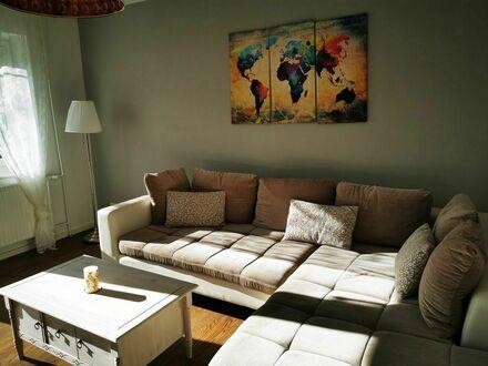 Wohnung in ruhiger Innenstadtlage mit 3 Zimmern   Apartment in a quiet inner city location with 3 rooms