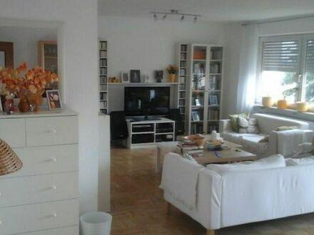 Stilvolle, gepflegte 3-Zimmer-Wohnung mit Loggia in Zirndorf | Stylish, neat 3 room apartment with loggia in Zirndorf