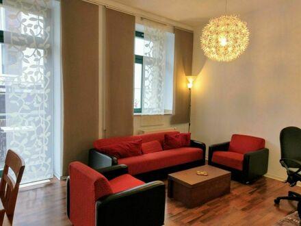 Gemütliche möblierte Wohnung in bester Lage, 5 Minuten von Leipzigs Zentrum   Comfortable furnished apartment in great location,…