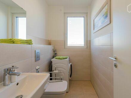 Ruhiges Apartment mit großartiger Terrasse direkt am Park und U5 - 20min zum Alex   Awesome apartment with great terrac…