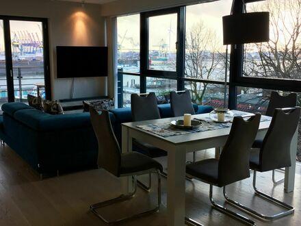 Exklusive 3 Zi-Wohnung - Spektakuläres Hafenpanorama - Hochwertige Einrichtung | Exclusive 3 room apartment – breath-taking…