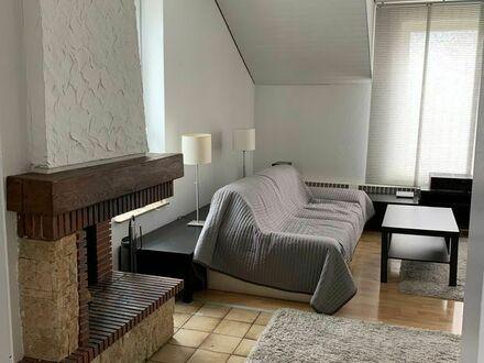Gemütliches Zwei-Zimmer-Apartment mit Kamin, 15 min von Düsseldorf HBF | Cosy two-room apartment with fireplace, 15 min from…