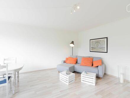 Lichtdurchflutete, vollmöbilierte Wohnung, Nähe Schanzenviertel, mit Balkon | Bright, wonderful studio in Altona