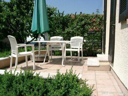 großzügige 2-Zimmer Wohnung mit Terrasse | spacious 2-room apartment with terrace
