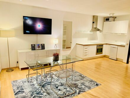 Fantastisches und wundervolles Studio in Top-Lage | Awesome, bright apartment in excellent location