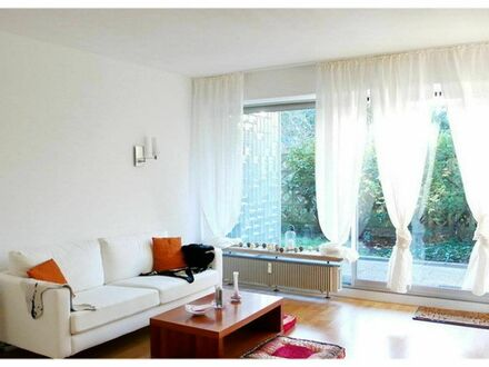 Ruhiges Apartment mit Schwimmbad und Terrasse | Quiet apartment with swimming pool and terrace