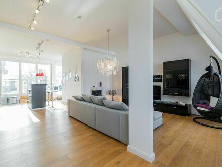 Geräumiges und stilvolles Apartment in Friedrichshain | Spacious and stylish apartment on top floor in Friedrichshain